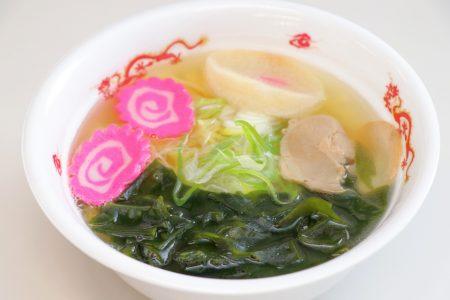 【キッチンキーコ】「みそぎの塩ラーメン」が木古内産ワカメ入りにグレードアップ!